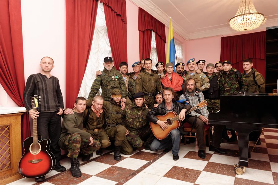 http://www.davidepambianchi.it/files/gimgs/19_ukraine20149006001126.jpg