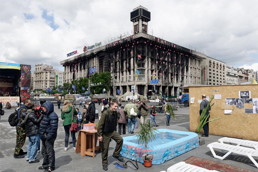 http://www.davidepambianchi.it/files/gimgs/19_ukraine20149006001133.jpg